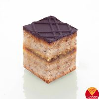 haselnussschnitte-petit-fours